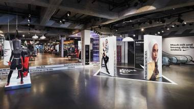 NIKE BERLIN: JUST DO IT CAMPAIGN